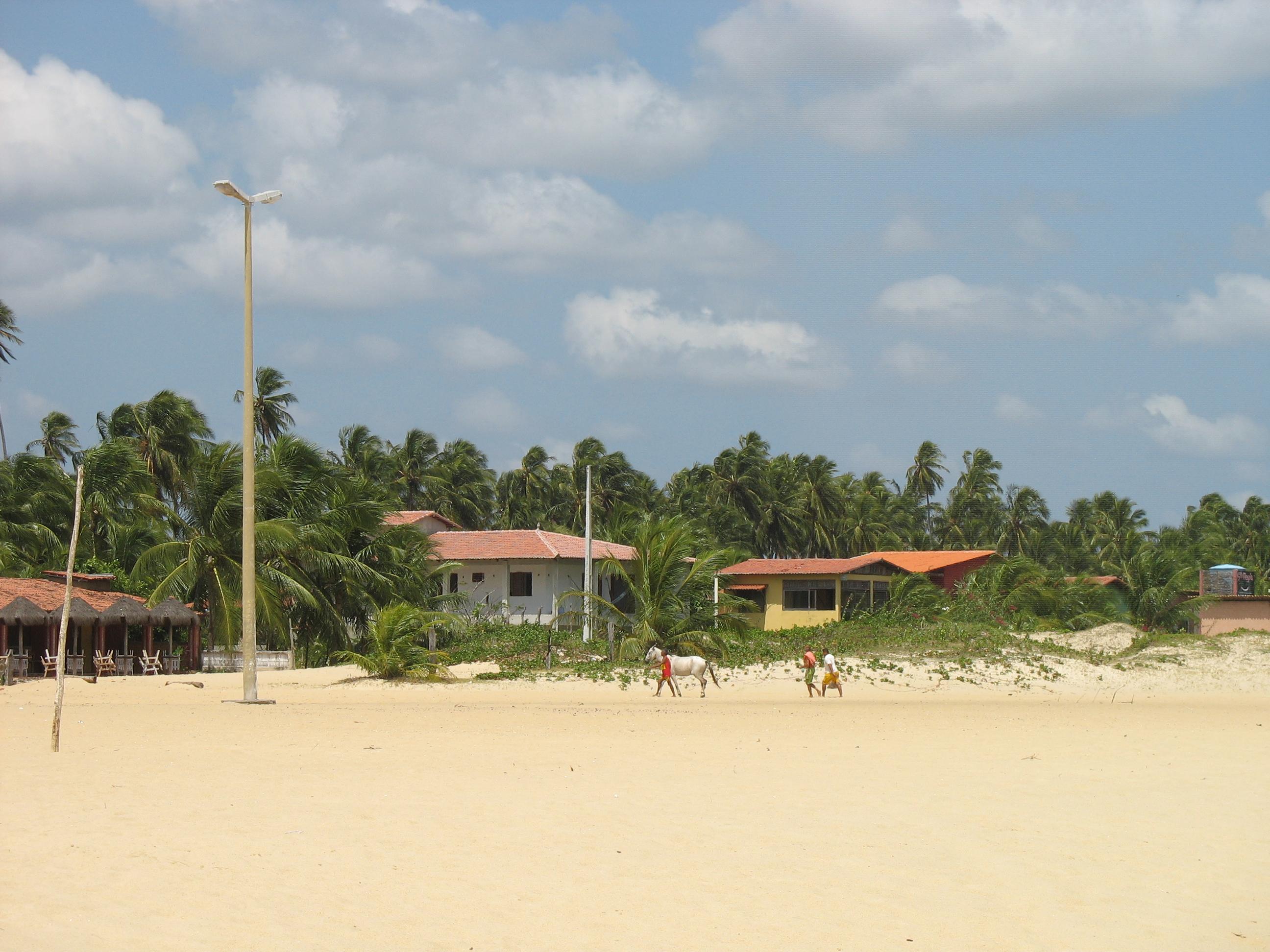 Der traumhafte schier endlose Strand von Gostoso in Brasilien.